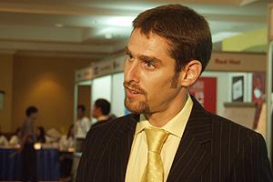 VOM INTERVIEWER ZUM INTERVIEWTEN - Balthas Seibold antwortet auf Fragen des Hanoier Fernsehens auf der InWEnt-Konferenz COSGov (Oktober 2005). -> mehr zum Event siehe news oben. / Photo: InWEnt
